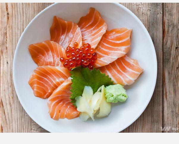 Cá ngừ, cá hồi, cá mòi là các loại cá giàu Omega3 rất tốt cho não bộ