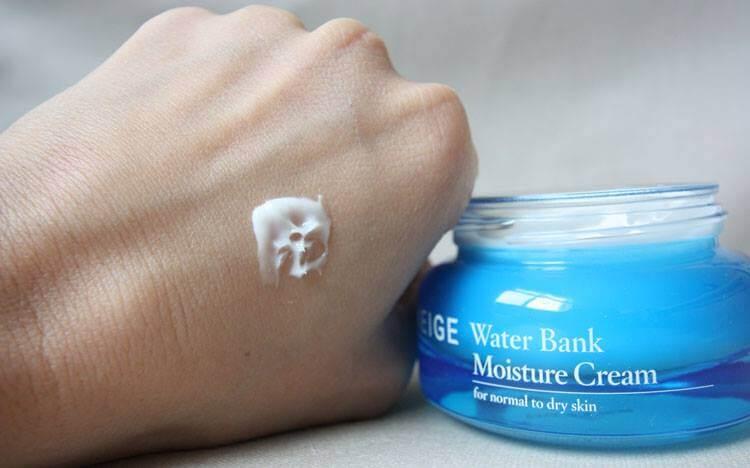 Công dụng dưỡng ẩm vượt trội, da không còn khô và bong tróc