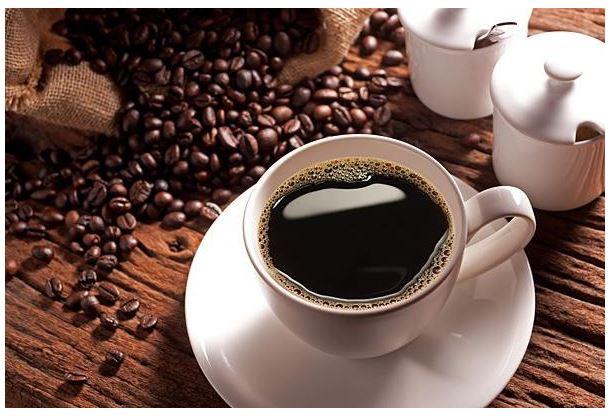 Caffeine là một chất kích thích nhẹ được tìm thấy trong cà phê