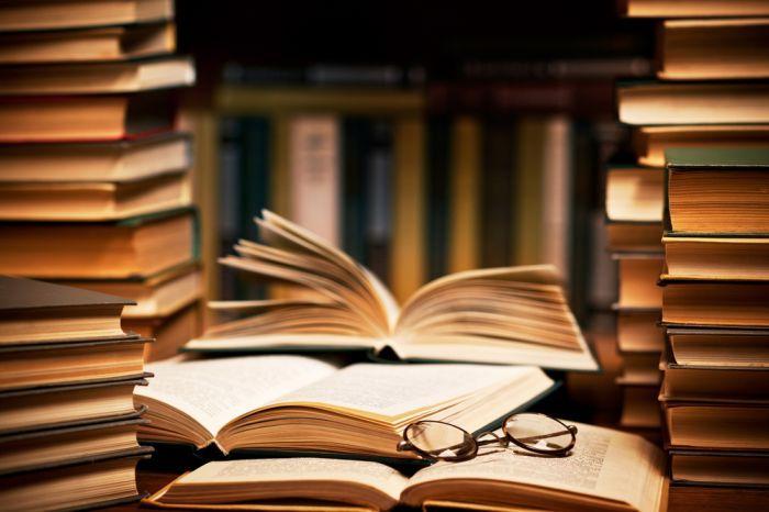 Sách chứa đựng nguồn kiến thức xúc tích, tinh hoa văn hóa nhân loại.