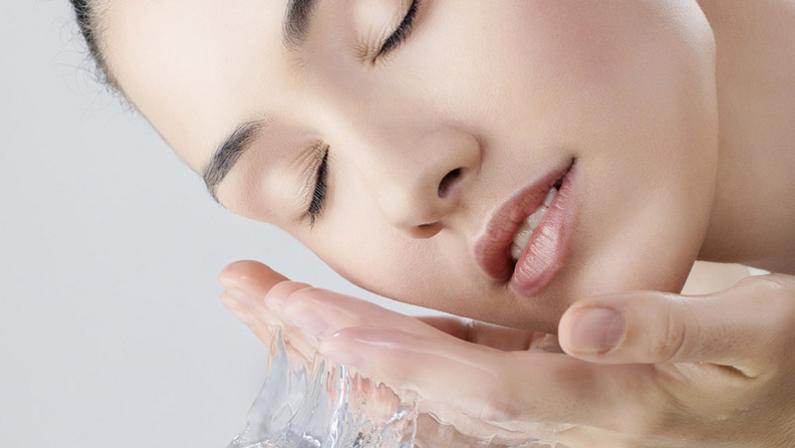 Tưới nước cho da