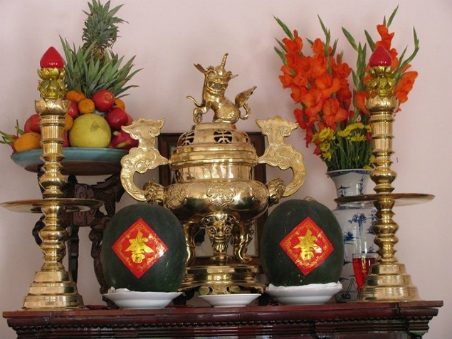 bàn thờ tồ tiên
