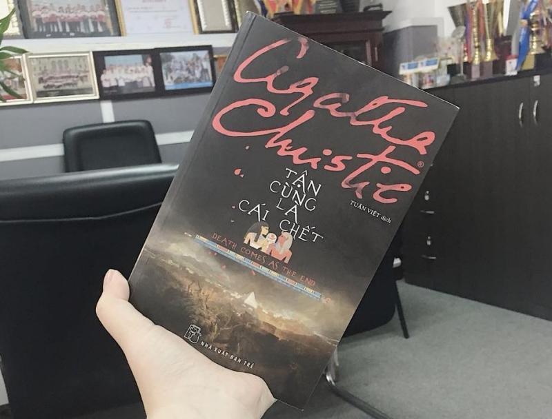 Bìa sách Tận cùng là cái chết của Agatha Christie