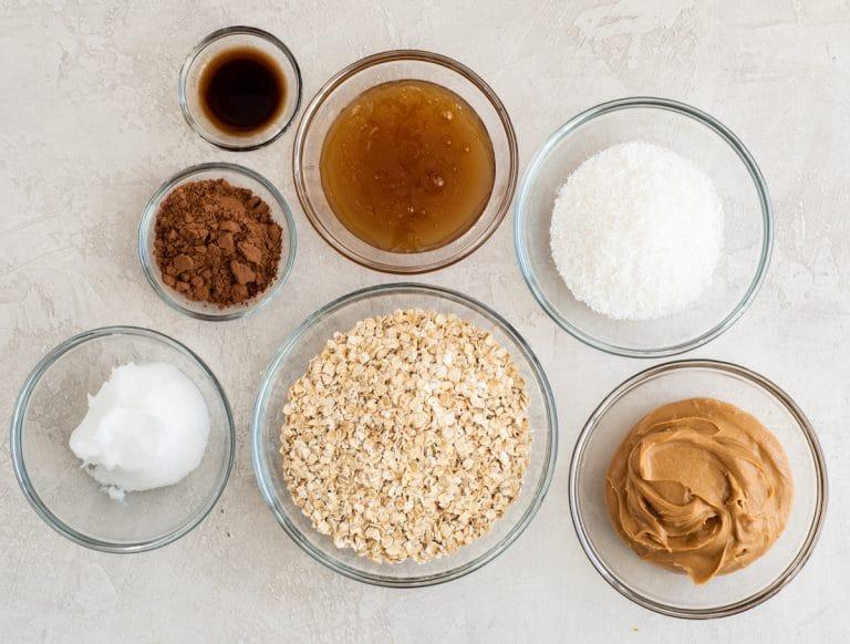 Nguyên liệu cho món bánh socola bơ đậu phộng