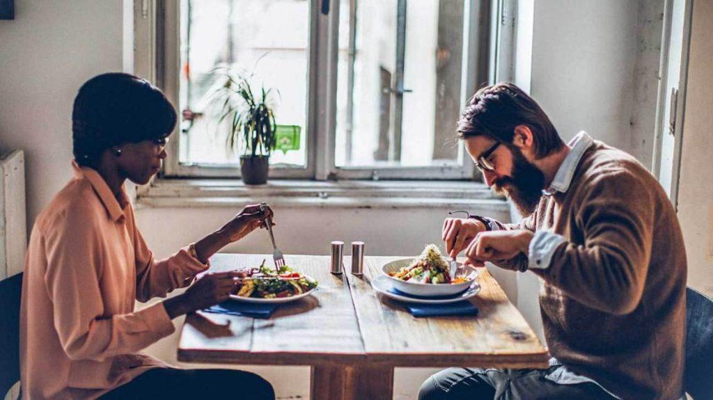 Ăn từ từ chậm rãi để thưởng thức