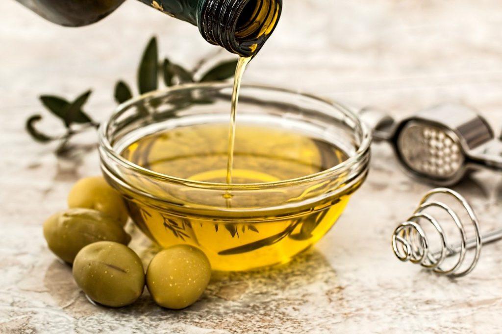 Sử dụng các loại dầu ăn chứa chất béo lành mạnh