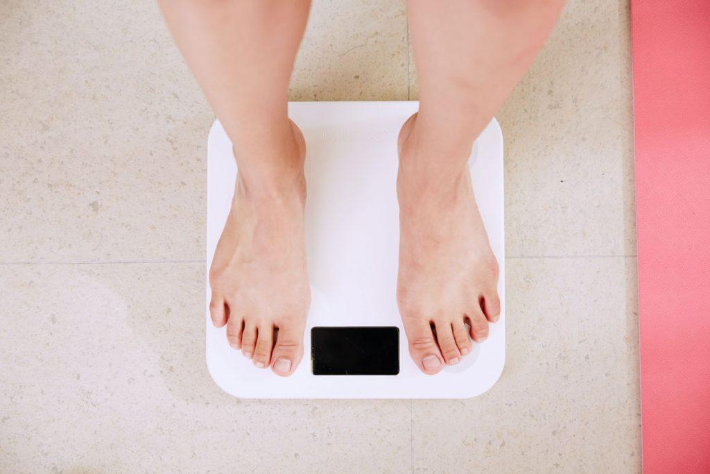Ăn quá nhiều đường có thể làm tăng chỉ số mỡ bụng