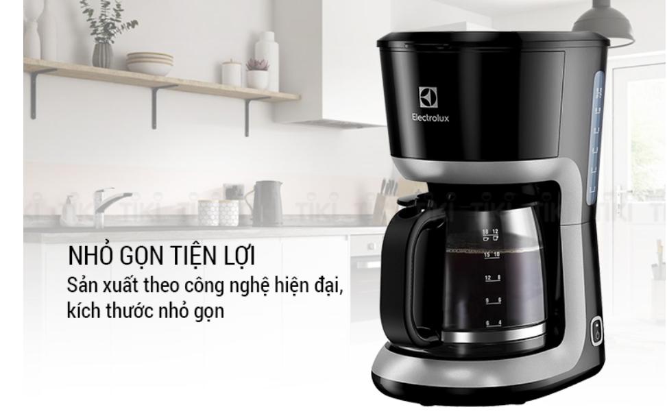Máy pha cà phê Electrolux ECM3505 màu đen sang trọng